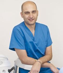 Исак Санчес Вилория, зъботехник
